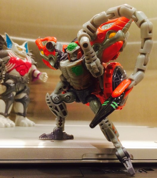 Titanmaster Loose in hand 100/% Transformers Titans Return Thunderwing