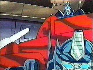 Scourge looks over Optimus