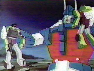 Ultra Magnus holding Constructicons