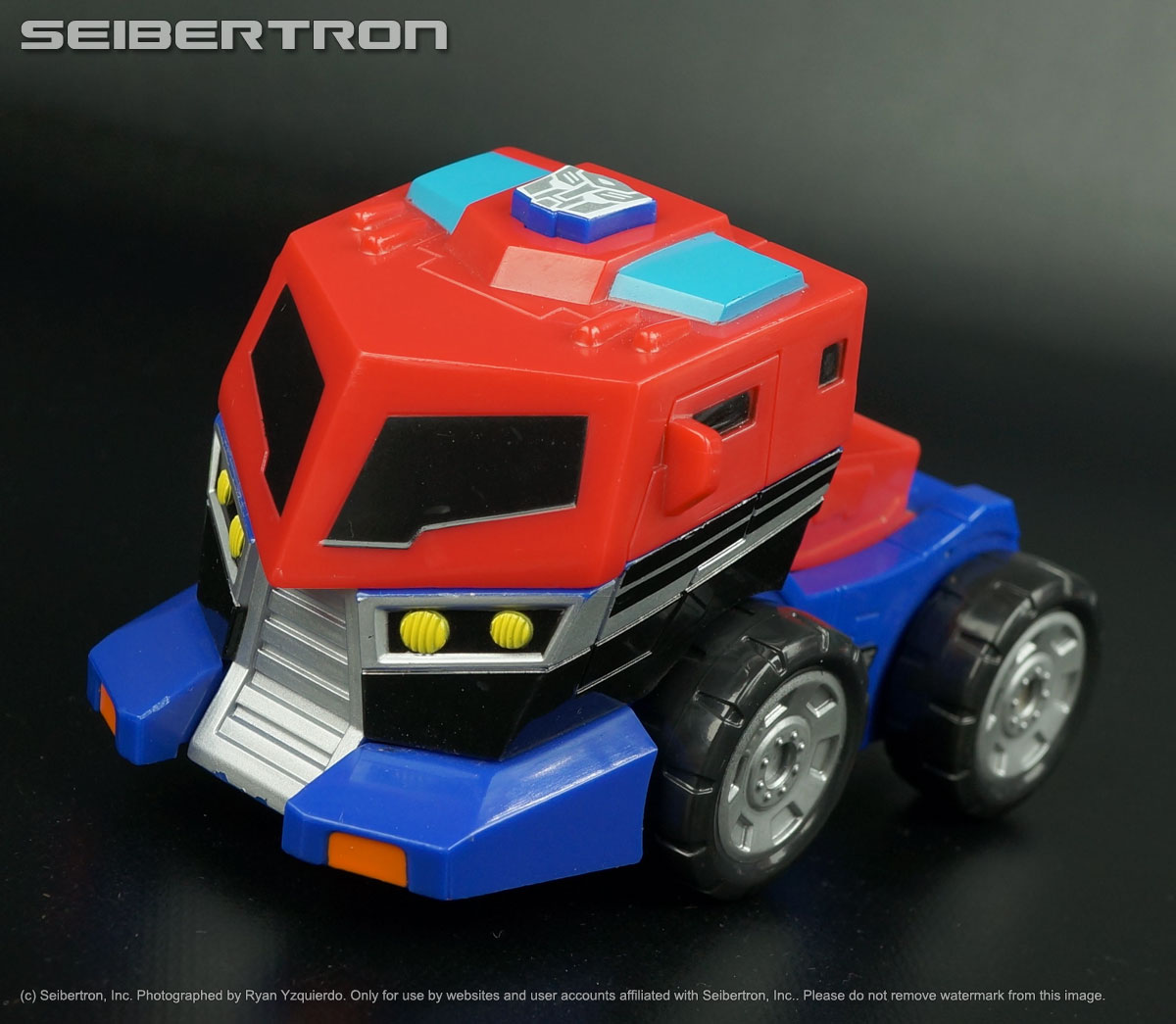 Transformers listings from Seibertron.com: OPTIMUS PRIME Transformers Animated Bumper Battlers 2008 Electronics Work