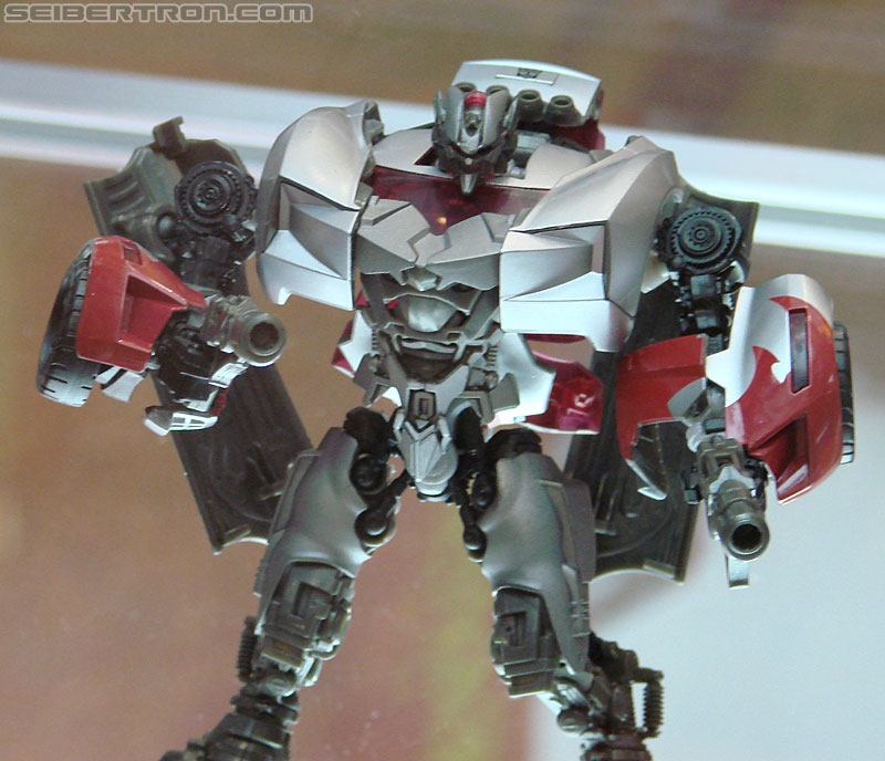 BotCon 2010 - Hunt For The Decepticons toys (pt 1)