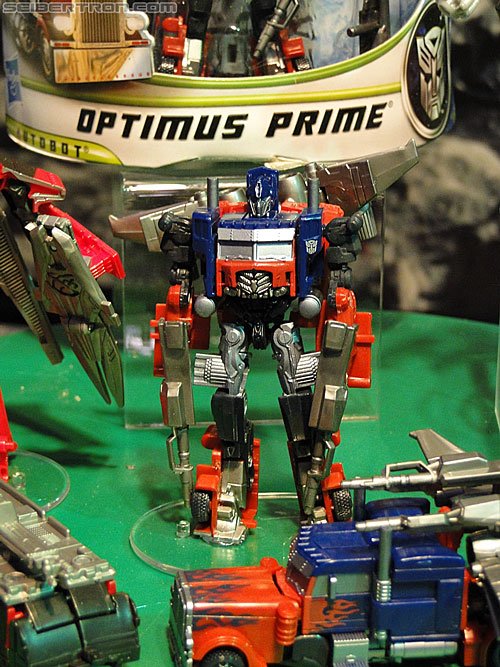 Toy Fair 2011 - Transformers Cyberverse