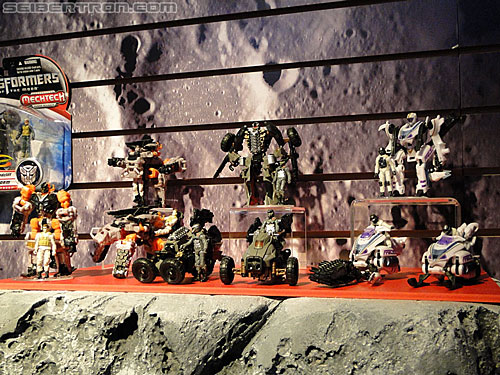 Toy Fair 2011 - Mech Tech Human Alliance