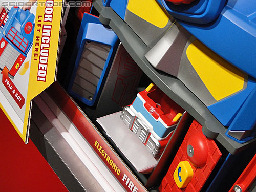 Toy Fair 2011 - Playskool Heroes Transformers Rescue Bots