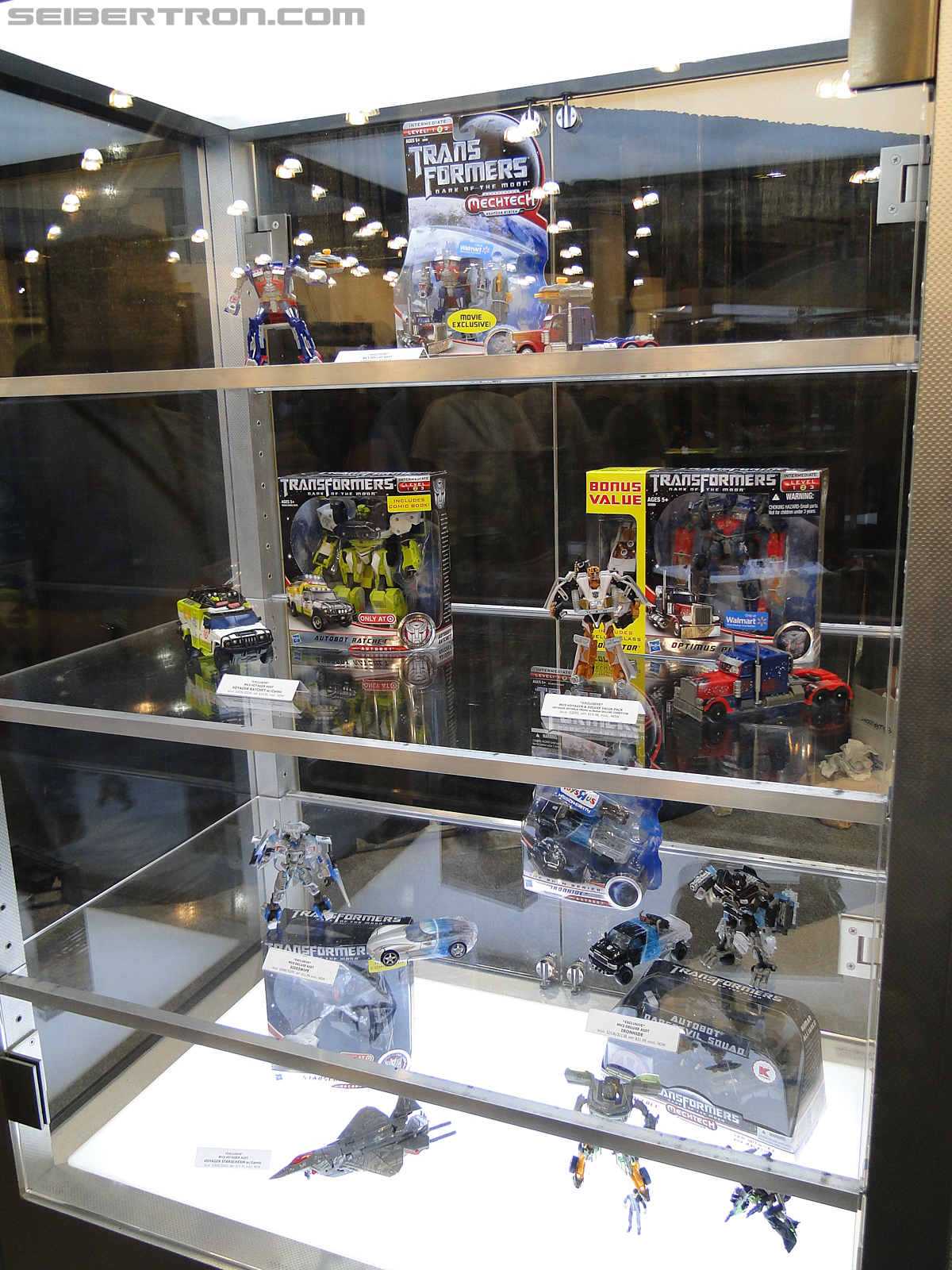 Botcon 2011 - Transformers Retail Exclusives Display Area