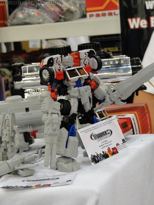 [MakeToys] Produit Tiers - Minibots, G2 Optimus, MM-01 Trashtalk & Cogwheel (aka Swerve/Embardo & Gears/Rollo), MM-02 Rear End (aka Tailgate/Hayon), MT-03 Hyper Novae (aka Nova Prime) d'IDW R_3rd-party-055