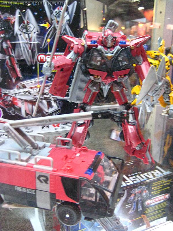 Toy Fair ou San Diego Comic Con (SDCC) de cette année: Nouveaux Jouets TF à venir et Exclusivités - Page 4 R_SDCC-DOTM-9922