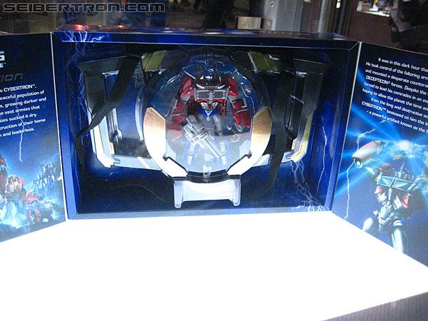 [Pro Art et Fan Art] Artistes à découvrir: Séries Animé Transformers, Films Transformers et non TF - Page 3 R_Transformers-Exclusives-9914