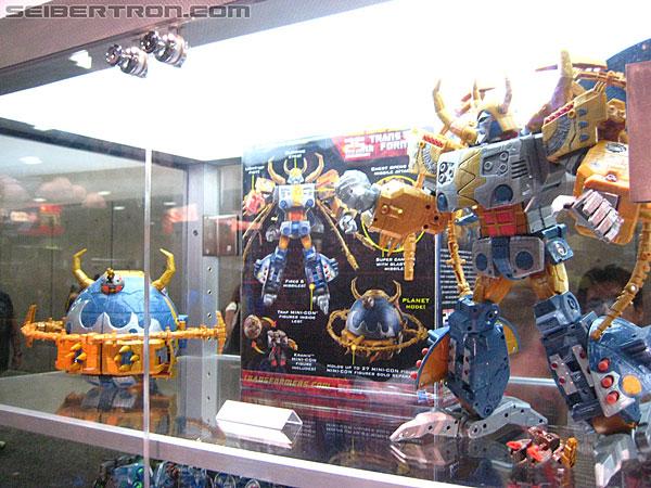 Toy Fair ou San Diego Comic Con (SDCC) de cette année: Nouveaux Jouets TF à venir et Exclusivités - Page 4 R_Transformers-Exclusives-9941