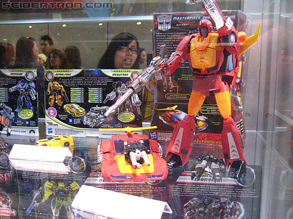 Toy Fair ou San Diego Comic Con (SDCC) de cette année: Nouveaux Jouets TF à venir et Exclusivités - Page 4 R_Transformers-Exclusives-9943