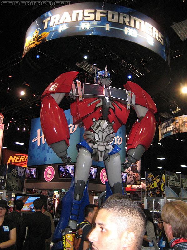 SDCC 2011 - Transformers Prime Toys