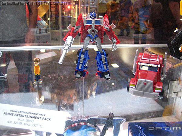 Toy Fair ou San Diego Comic Con (SDCC) de cette année: Nouveaux Jouets TF à venir et Exclusivités - Page 4 R_Transformers-Prime-9912