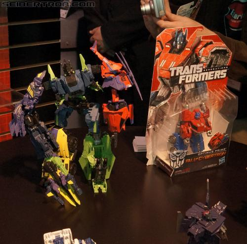 Toy Fair 2012 - Transformers Fall of Cybertron