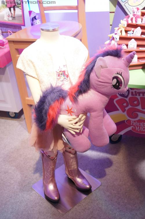 Toy Fair 2012 - My Little Pony and Littlest Pet Shop