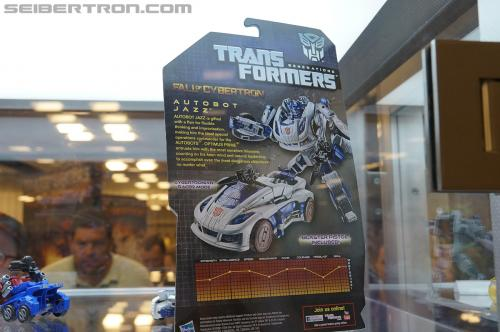 "Transformers Generation ""Fall of Cybertron"" product display"