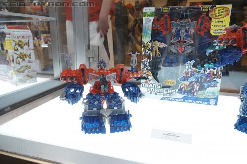 Transformers Prime Cyberverse product display