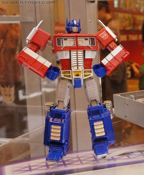 BotCon 2012 - Masterpiece Optimus Prime