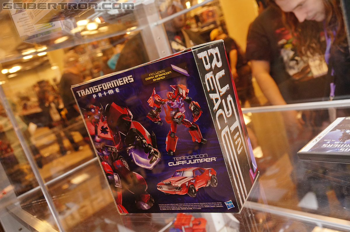 "SDCC Cliffjumper ""Rust In Peace"" exclusive"