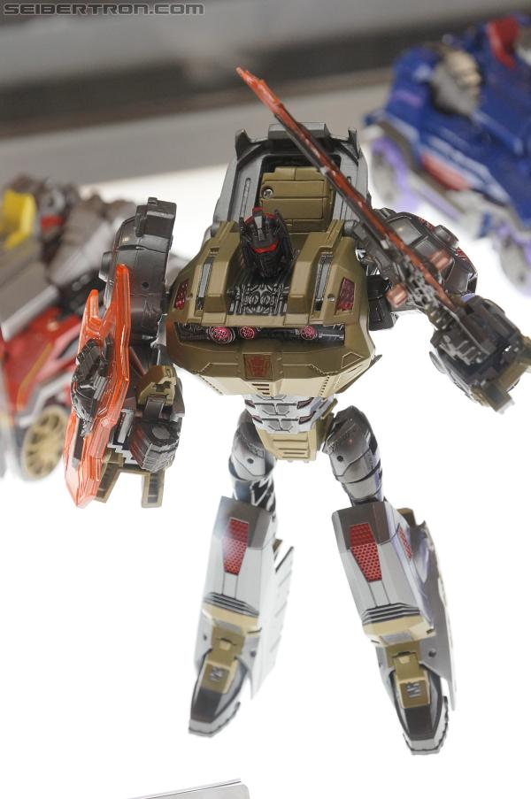 Transformers Generations: Fall of Cybertron Voyagers Wave 2 Released at Retail