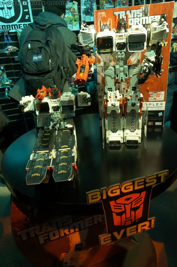 Toy Fair 2013 Coverage: Transformers Titan Class Metroplex
