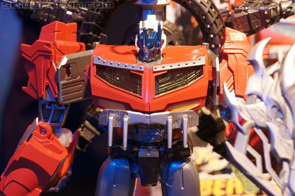 "Toy Fair 2013 - Transformers Prime ""Beast Hunters"""