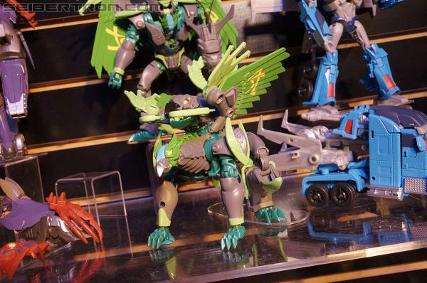 "Toy Fair 2013 Coverage: Transformers Prime ""Beast Hunters"""