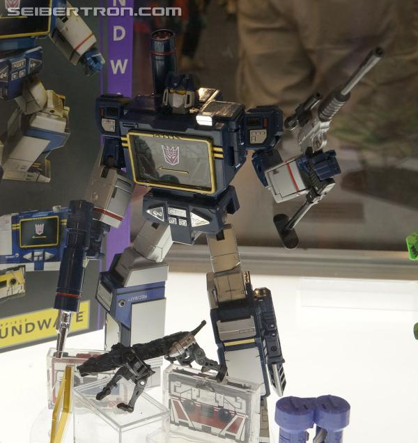 BotCon 2013 Coverage: Transformers Masterpiece