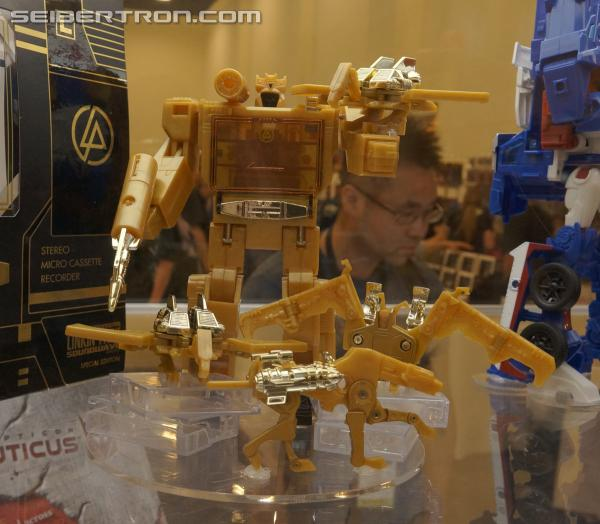 BotCon 2013 Coverage: Linkin Park Edition Soundwave