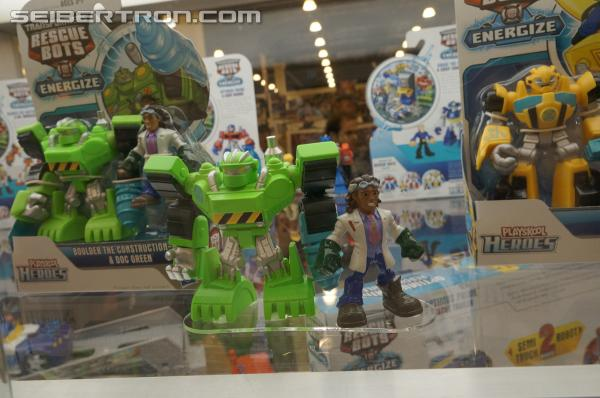 BotCon 2013 News: Rescue Bots, Construct-Bots, Beast Hunters Diorama