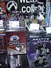 Wizard World 2004 - Transformers Event: While TFs weren't well represented at the convention, there were TONS of statue busts