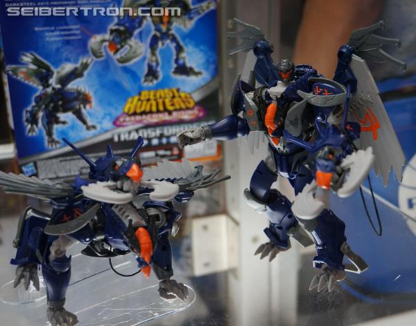 SDCC 2013 Coverage: Preview Night Transformers Prime Beast Hunters Gallery