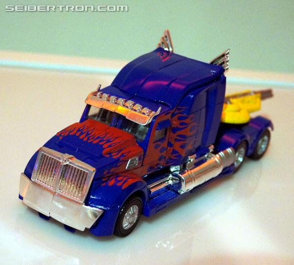 Transformers News: Re: Hasbro Press Event Coverage: First Images of Transformers: Age of Extinction Optimus Prime!