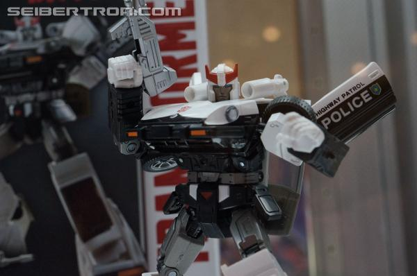 Transformers News: BotCon 2014 Coverage: Hasbro Display Galleries of Masterpieces and SDCC Exclusives