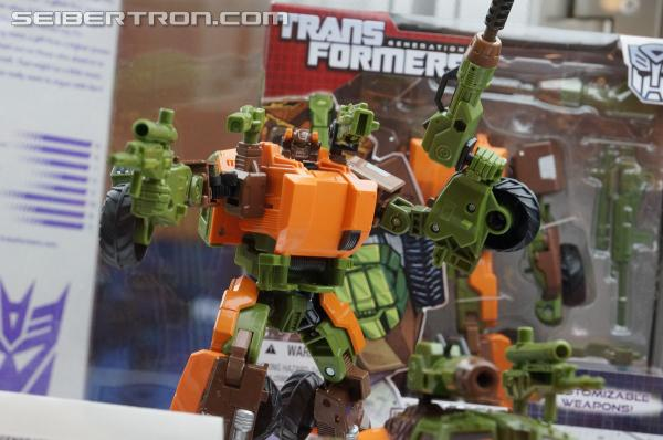 Transformers News: BotCon 2014 Coverage: Hasbro Display Galleries of Generations