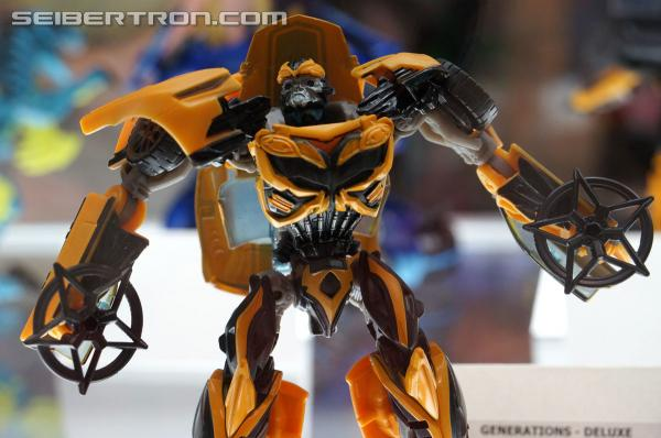 Transformers News: BotCon 2014 Coverage: Hasbro Display Galleries of Age of Extinction