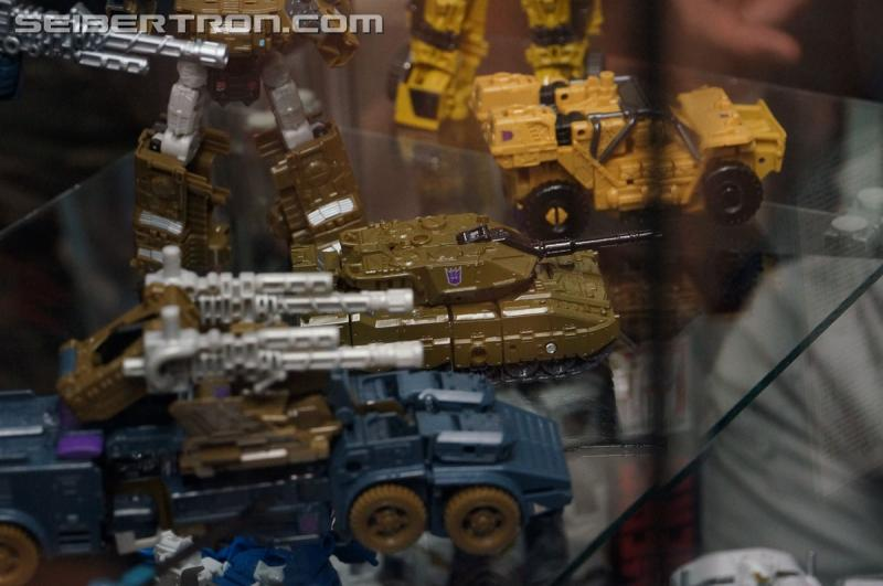 BotCon 2015 - New Combiner Wars Products from Saturday Brand Panel