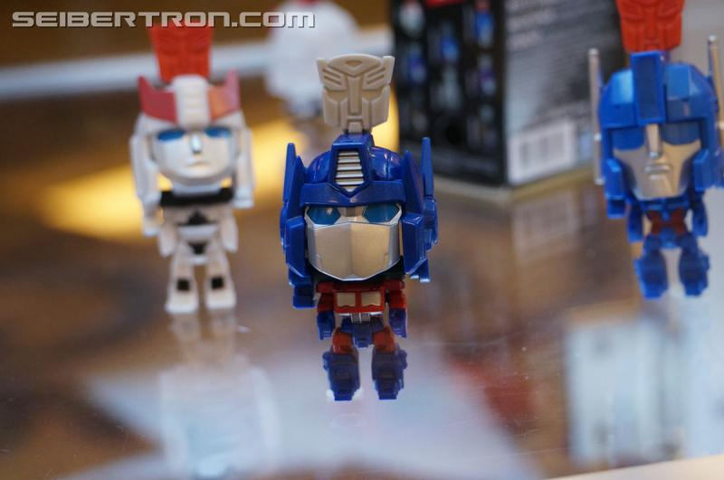 Transformers News: #BotCon2016 Generations Alt-Modes, Merchandise and Miscellaneous