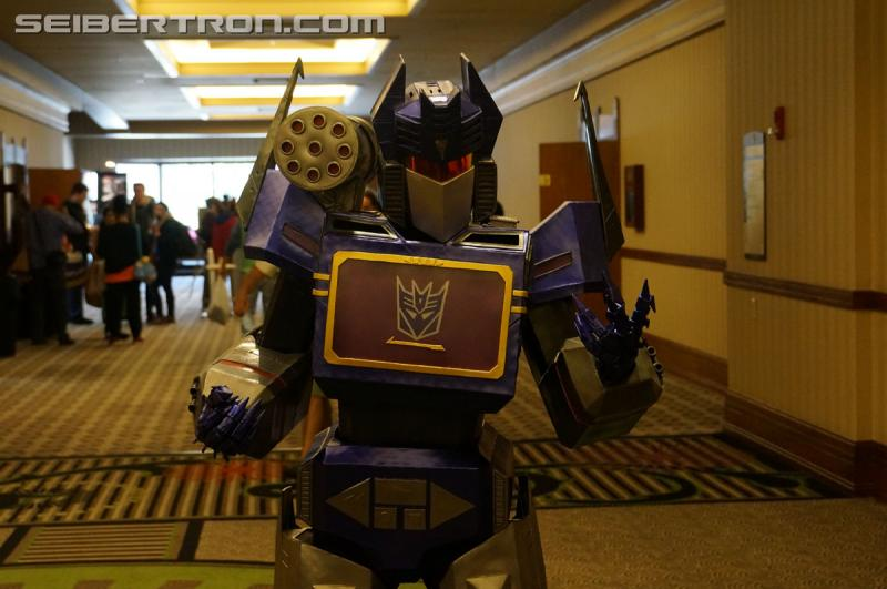 Transformers News: #Botcon 2016 Miscellaneous Images: People, Setting, Experience