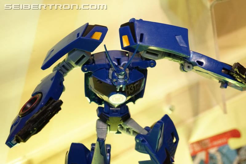 Transformers News: Toy Fair 2017 - Robots In Disguise Combiner Force Photogallery #TFNY #HasbroToyFair
