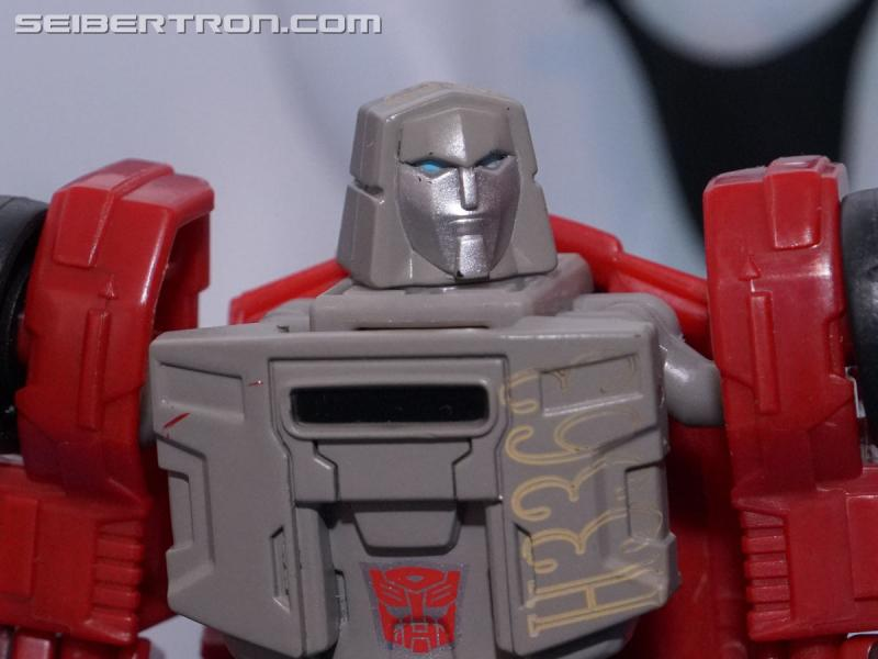 Transformers News: NYCC 2017: Gallery for #Transformers Power of the Primes Legends Class Reveals #hasbronycc