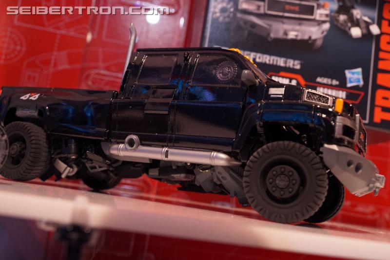 Transformers News: Toy Fair 2018 - Transformers Movie Masterpiece MPM-6 Ironhide, with Barricade #HasbroToyFair #NYTF
