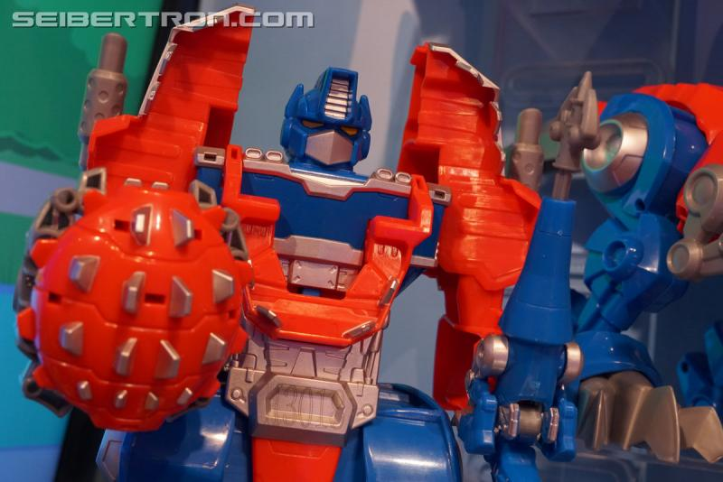 Transformers News: Toy Fair 2018 - Gallery of Transformers: Rescue Bots Products #HasbroToyFair #NYTF