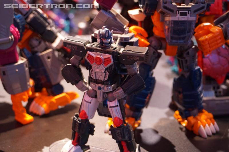 Transformers News: Toy Fair 2018 - Gallery of Transformers: Power of the Primes Optimal Optimus
