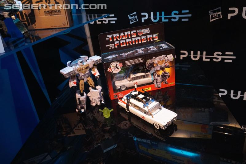 Toy Fair 2019 - Transformers X Ghostbusters Collaboration Ecto-1 / Ectotron