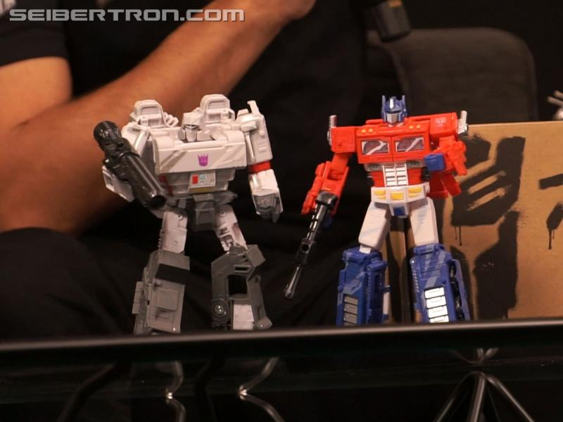 Transformers News: Hasbro unveils Earthrise Starscream, teases Scorponok and more during #NYCC Transformers live stream