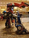 BotCon 2007: Movie Optimus Prime Statue - Transformers Event: DSC06651