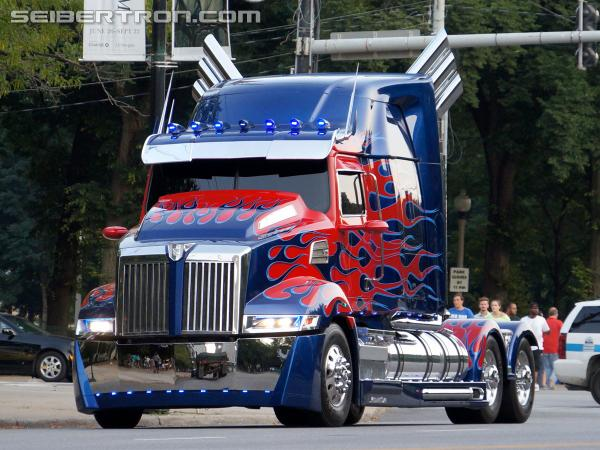 New galleries from Transformers 4 Chicago filming