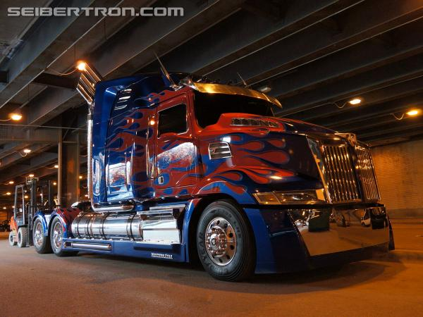 Transformers 4 Age of Extinction filming - Lower Wacker in Chicago (August 25th, 2013)