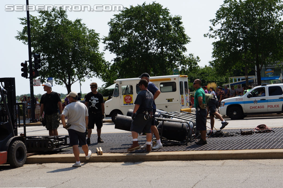 Transformers 4 Age of Extinction filming - Upper Randolph in Chicago (August 25th, 2013)