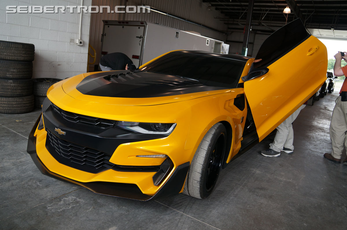 tf5 the last knight bumblebee chevrolet camaro 6th generation transformers. Black Bedroom Furniture Sets. Home Design Ideas